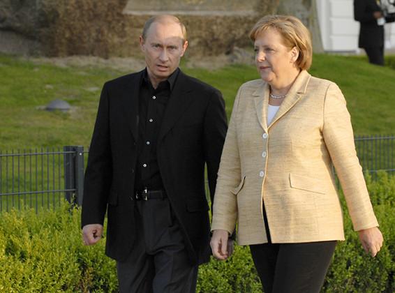 Путин и Меркелова