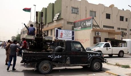 Наоружане групе су опколиле либијско министарство правде