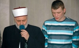 Саша Жунић (десно) прихватио муслиманску веру