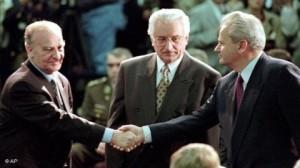Потписивање мировног споразума у Даyтону је означило окончање рата у БиХ. На фотографији: Алија Изетбеговић, Фрањо Туђман и Слободан Милошевић 1995. године