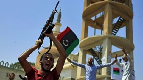 Разне терористичке групе покушавају да заузму нафтна поља