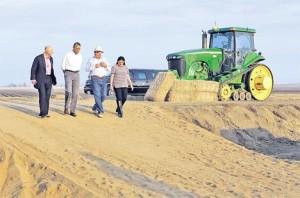 Барак Обама мења пољопривредну политику САД: калифорнијске њиве опустошила суша (Фото Ројтерс)