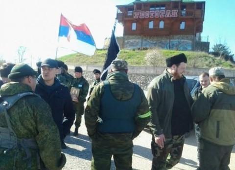 Српски добровољци на контролним пунктовима на Криму