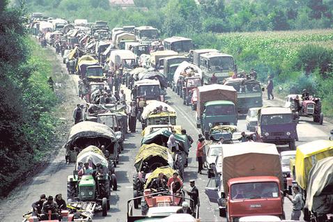 """Операција """"Олуја"""", 1995. године којом је практично протерана српска национална мањина из Хрватске."""