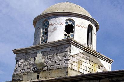 Оштећена српска црква. Да ли је шиптари руше?