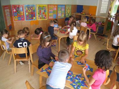 Србија има такву стопу рађања да ће у следећој генерацији имати за трећину жена мање него данас