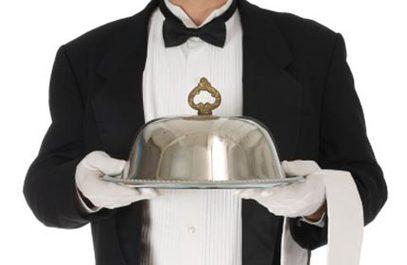 """""""Бриселски конобар"""" је донео Србији огроман рачун за хладну супу са мувом / Фото: www.naxi.rs"""