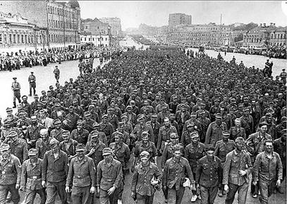 Немачки заробљеници у Москви