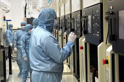 Русија ће због санкција куповати војну електронику од Кине
