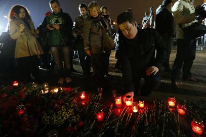 Најмање 15.000 људи у Москви одало пошту жртвама кијевске хунте у Донбасу
