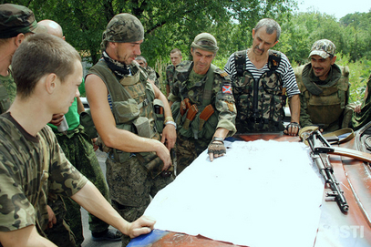 """Почео ограничени напад на Мариупољ, на неким тенковима пише """"На Кијев"""""""