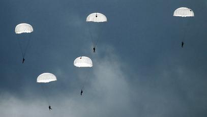 Више од 300 руских падобранаца прелази 150 км за 48 сати