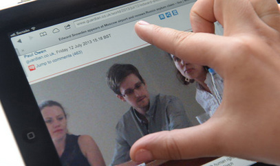 Сноуденова девојка од јула живи у Москви с њим