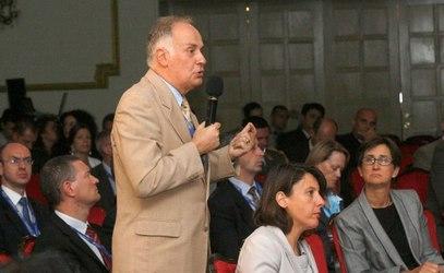 На истом форуму, пре неколико година, причао је и амбасадор Конузин