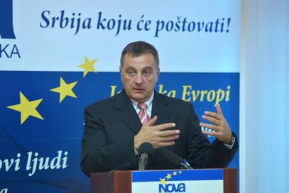 Посланик Нове странке Зоран Живковић - странке без ћирилице?