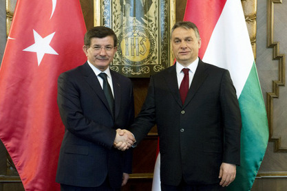 Aхмет Давутоглу и Виктор Oрбан