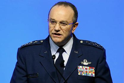 Врховни командант НАТО у Европи амерички генерал Филип Бридлав