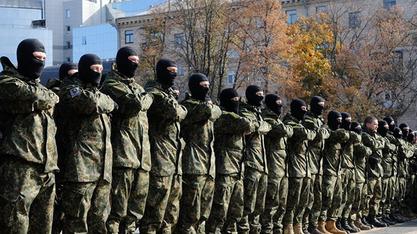"""Припадници неонацистичког пука """"Азов"""" - ударна песница новог пуча?"""