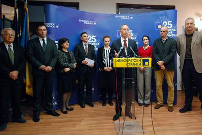 Министар привреде Владе у сенци др Иван Стефановић на конференцији за медије