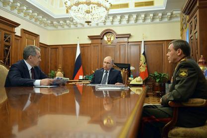 Путин задовољан успехом велике изненадне војне вежбе која је штрецнула NATO