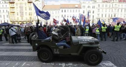 Чешка: Противници америчког конвоја сукобили се са полицијом / Фото: Jan Handrejch, Právo
