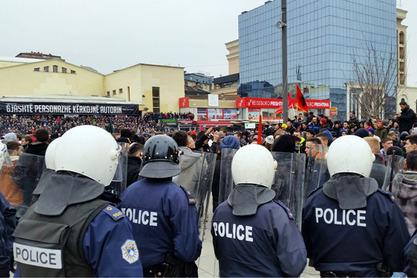 Протест  у Приштини - противе се и формирању Заједнице српских општина (ЗСО)