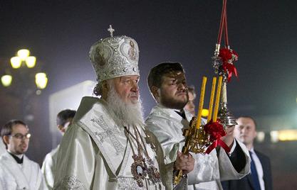 Путин и Медведев заједно на васкршњем богослужењу у Храму Христа Спаситеља
