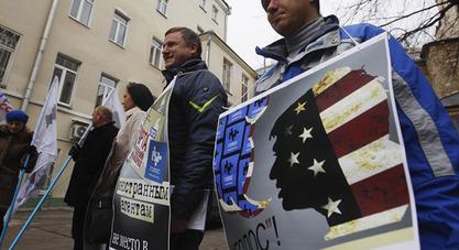 """Запад у Русији финансира 4.108 НВО, експерти сматрају да већина њих спрема """"руски мајдан"""""""