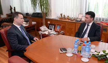 Телевизије наклоњене Груевском опет објавиле како Заев тражи 200.000 евра мита