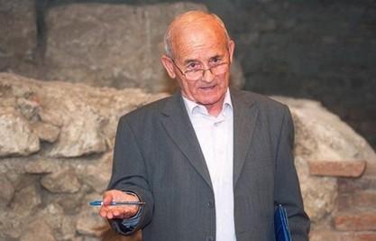Милорад Телебак: Морамо вратити своје писмо да пишемо само ћирилицом,нема двоазбучних народа / РТРС