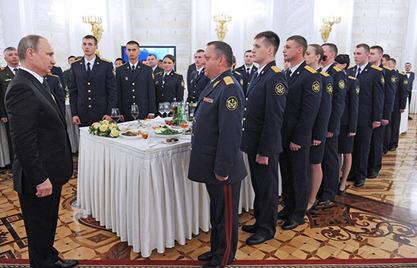 Владимир Путин: Моћна армија са модерним наоружањем је гарант суверенитета Русије