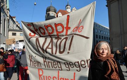 """""""Зауставите НАТО - зауставите рат против Русије"""""""