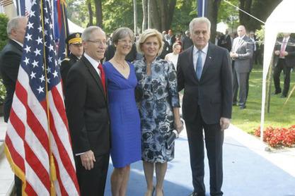 Амбасадор САД Мајкли Кирби
