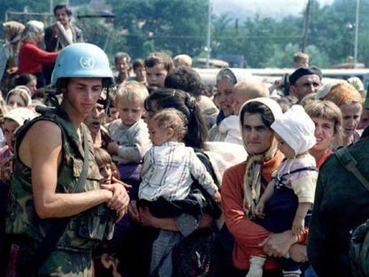 Холанђани сумњиче Американце, Британце и Французе да су дозволили да Сребреница падне
