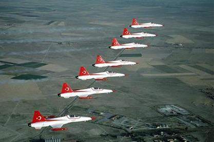 Турска тврди да су четири грчка авиона прогонила шест њених