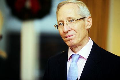 Мајкл Кирби лукаво изјавио да Србија треба да уђе и у НАТО