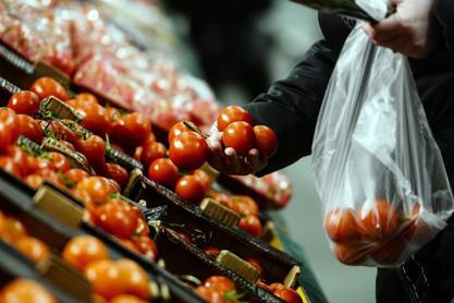 Русија затворила тржиште за турско воће и поврће, живинско месо, забранила чартер летове