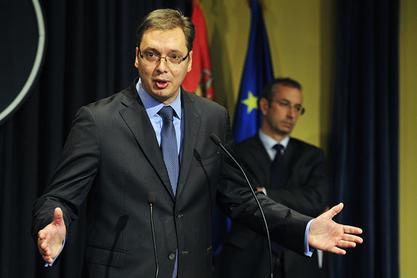 Да нас Немци и амерички амбасадор критикују!? Ма, не долази у обзир! Какво Косово, даћемо и Ниш!