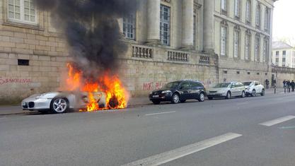 Француска полиција се сукобила са демонстрантима у неколико француских градова