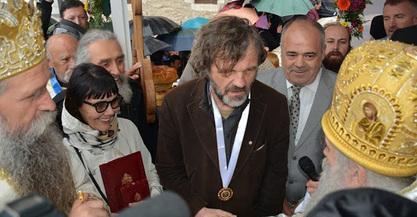 Амфилохије у Острогу уручио Кустурици Орден Светог деспота Стефана Лазаревића