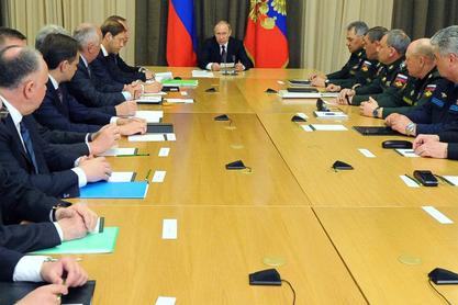 Путин са врхом Министарства одбране и Генералштаба