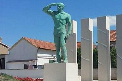 Хрватска подигла споменик усташи Миру Барешићу који је 1971. убио ЈУ-амбасадора у Шведској Роловића