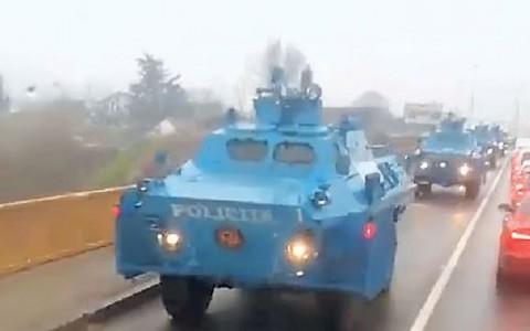 Оклопна возила из Никшића на путу за Подгорицу